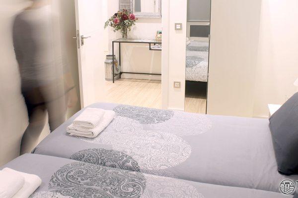 habitacion-doble-con-dos-camas-talaia-hostel-03